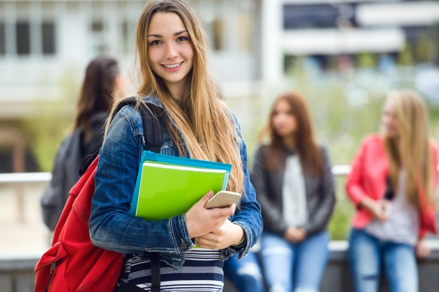smiling-student_1301-114